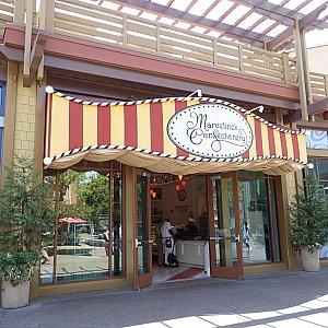 ダウンタウンディズニーの「Marceline's Confectionery」というお店をのぞいてみました。