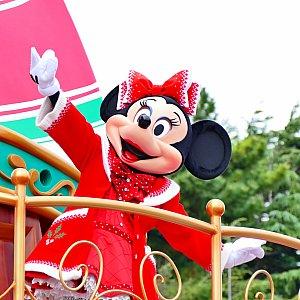 ミッキーから「クリスマスの楽しみはなあに?」と聞かれると「私は大切な人と過ごすこと💓」と応えたミニーちゃん。かわいすぎる〜〜!!!!