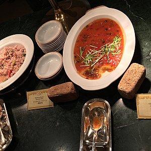 ストロベリーリゾットと中華風茶碗蒸し野菜のあんかけ