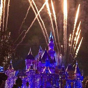 Wishesの音楽でスタート!!お城のキラキラが綺麗!!