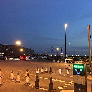 春季シーズナルパスの最終日だからなのかメインの駐車場が満車でトイストーリーホテル近くのP6に停めることに💦