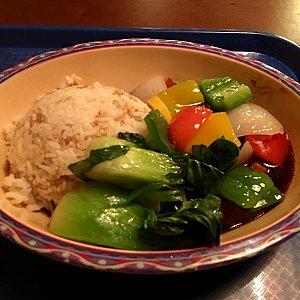 ピーマンや青菜がキレイです。