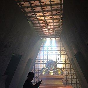 マイティーソーに会う部屋。ものすごく神秘的で誰が出てきても特別な人って思ってしまう雰囲気。ここもよくできていました。