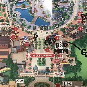 グリの場所です。 M&M ミッキー&ミニーちゃん D&D ドナルド&デイジー C&D チップ&デール P プルート G グーフィー  D&S ダッフィー&シェリーメイ