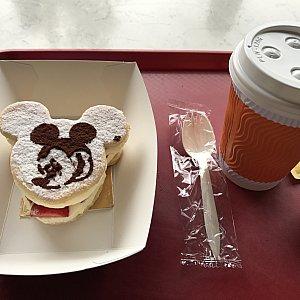 『レミーのパティスリー』のコーヒーはドリップタイプので普通に美味しいです。