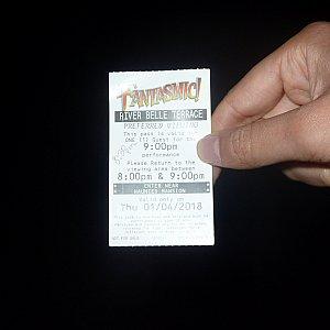 食事をして支払い後にファンタズミック!のファストパスが頂けます。