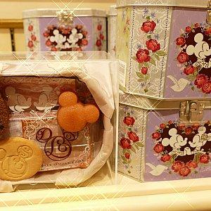 中身はフィナンシェ・マドレーヌ・クッキーの3種類!