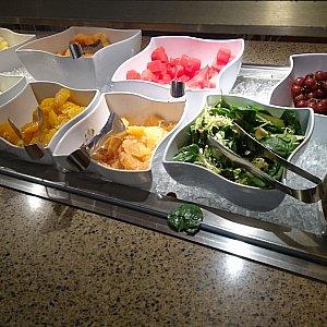 お野菜やフルーツです。