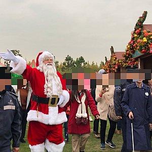サンタさん大きい!
