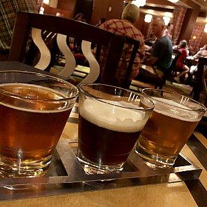 ビールフライトはお好みのビールが3種類選べます。