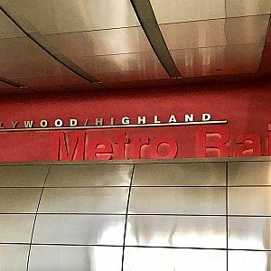ハリウッドハイランド駅のものです。