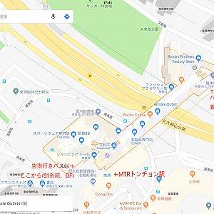 パークからのバスおよび空港行きバスはGF(日本で言うところの1階)に停車しますが、連絡通路は2階のみなのでいったん上がって移動する必要があります。移動の間に買い物するとうまい具合にいくかと。うまくタイミングがあったら利用してみましょう