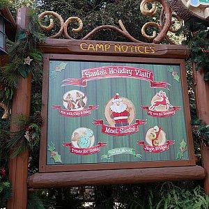 Santa's Holiday Visitで出来ることの案内板です。メインはサンタクロースとのグリーティング✨