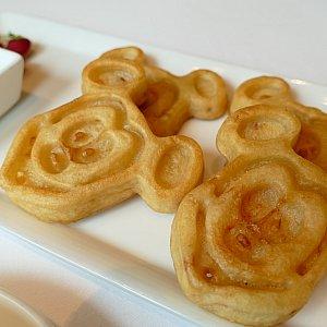 前回も食べたミッキーのシーフードグルートスパンケーキは安定の美味しさです!
