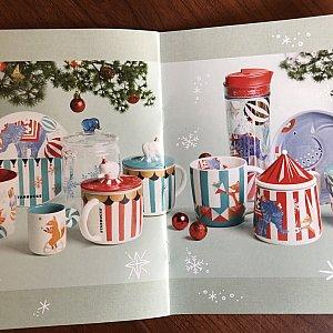 なんでクリスマスにサーカス柄なのかは謎だけどとにかく可愛い!