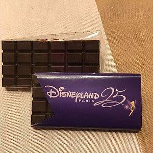 小さな板チョコなんですがオシャレでしょ。