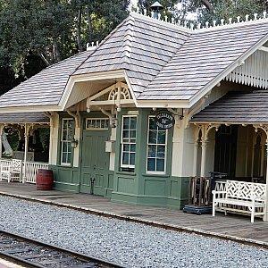 ニューオーリンズ・スクエアの駅です。
