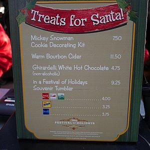 なので、サンタさんをもてなすメニュー⁉ミッキースノーマンクッキーのデコレーションにチャレンジ😁
