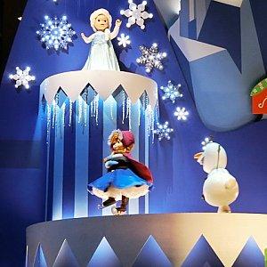海外パークのにはない、日本が初登場となる「アナと雪の女王」。