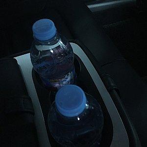 ペットボトルのお水のサービスがありました。行きのみ