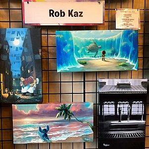 こちらが彼の作品の一部。Robさんはディズニー関連以外に彼の独自の作品集があり、彼と同じく、目の大きい少しタレ目の動物達がシリーズになっており、僕は彼のキャラクターとブルーグリーンの色合いが大好きなんです。