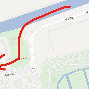 探索路を進み、申迪北路を右折します。
