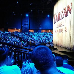 客席は十分広いです。