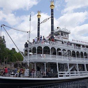 蒸気船マークトゥエイン号
