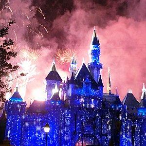 ずっとキラキラしているお城を映し出していてほしいと思ってしまいます☆