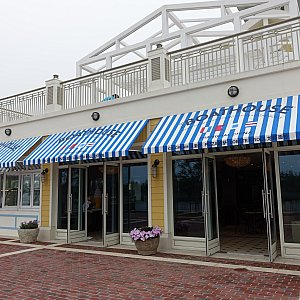1階にはザ・ボートハウスのクリックサービスレストランもありました!これは世界初登場!