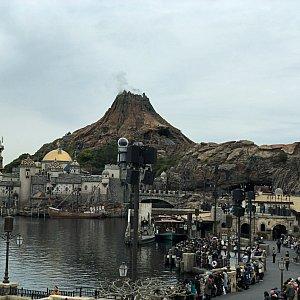 テラスからのプロメテウス火山