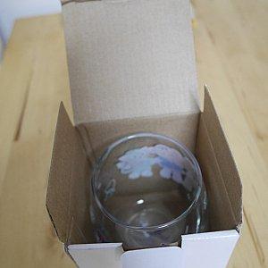 箱に入れてくれるので、それを洋服に包んで日本にもってかえってきました