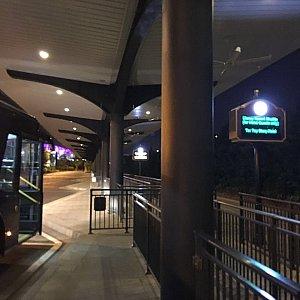 結局来たときと同じようにトイストーリーホテル行きのシャトルバスに乗りました。