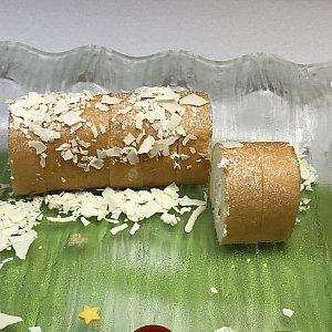 ロールケーキ(杏仁風味)。