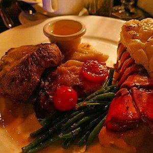 サーフ&ターフのロブスターは豪快!お肉も豪快!とっても美味しかったです!