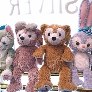 ダッフィー、シェリーメイ、ジェラトーニ、ステラ・ルーを並べてみました!かわいいです(*´∇`*)