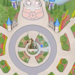MAP ハッピリーエバーアフターを待っていた時に、スクリーンショットをとっておいたものです。一見よさそうですが、前には街灯や植栽がありますので、もうちょい右にずれた位置がオススメ。この位置なら三脚据えても誰の邪魔にもなりません。