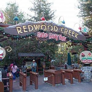 レッドウッドクリークチャレンジトレイルがクリスマスバージョンになっています!