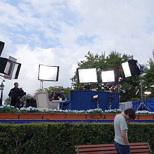 城前のメディア用特等席を引きで1枚。