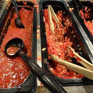 サルサソースにトマト!トマトがフレッシュでした。